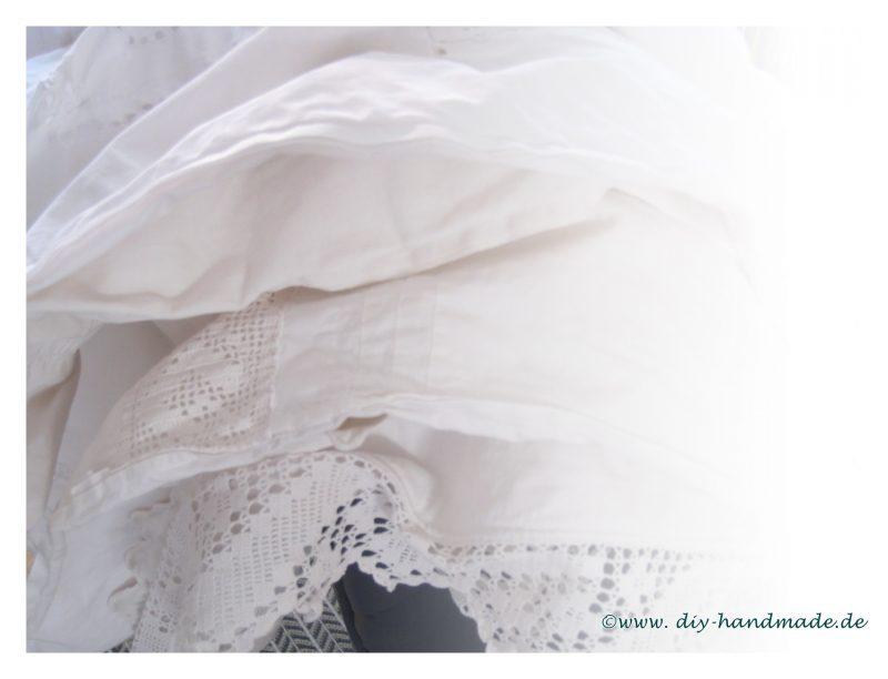 weiße Wäsche von früher, Spitze, Häkeleinsatz